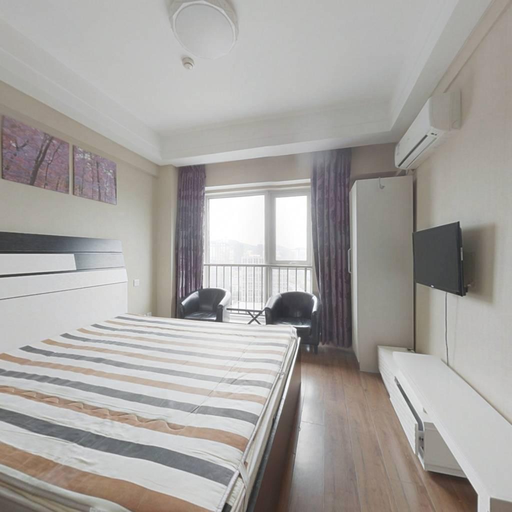 高新园万达海景公寓一室敞开式户型,地理位置好