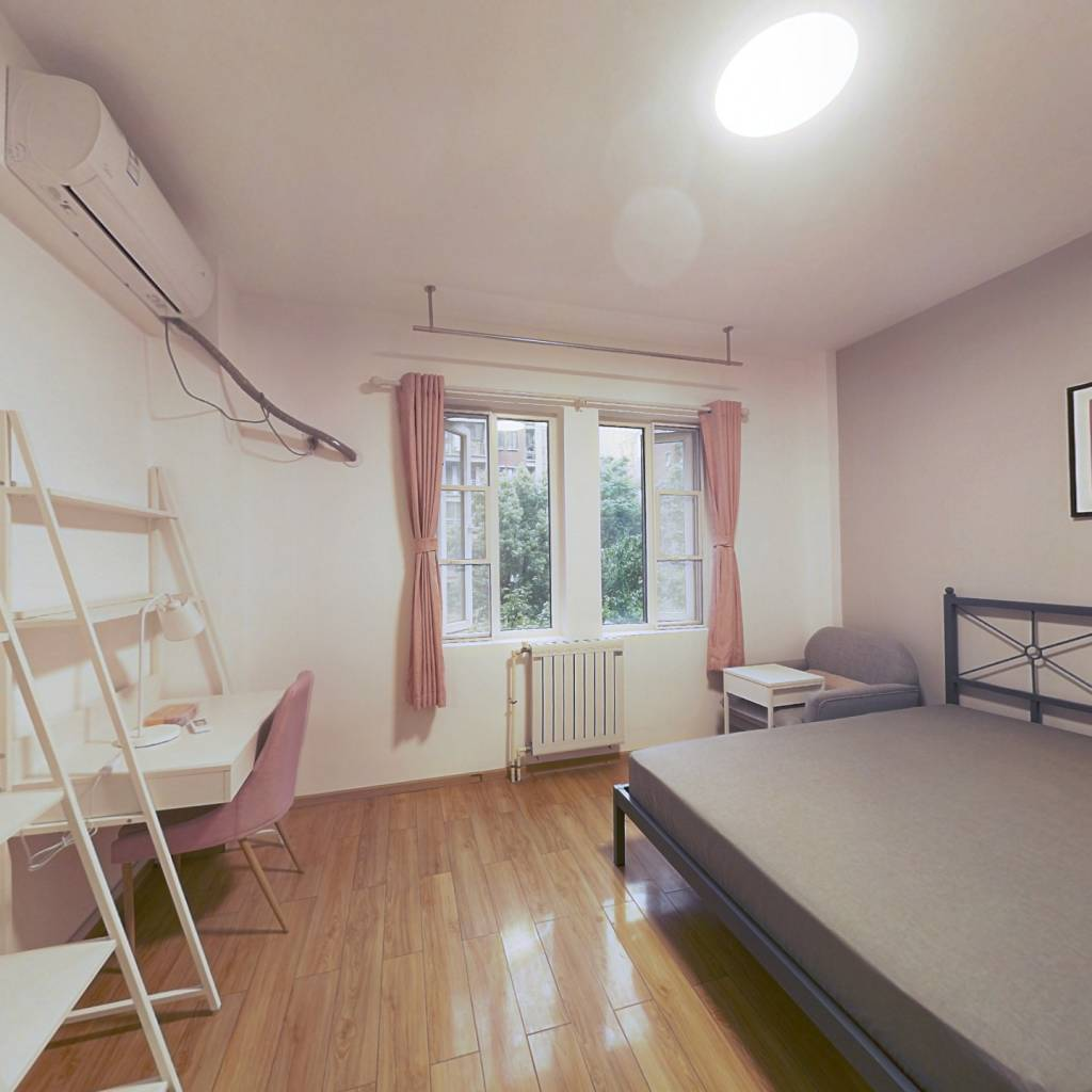合租·现代森林小镇 4室1厅 南卧室图