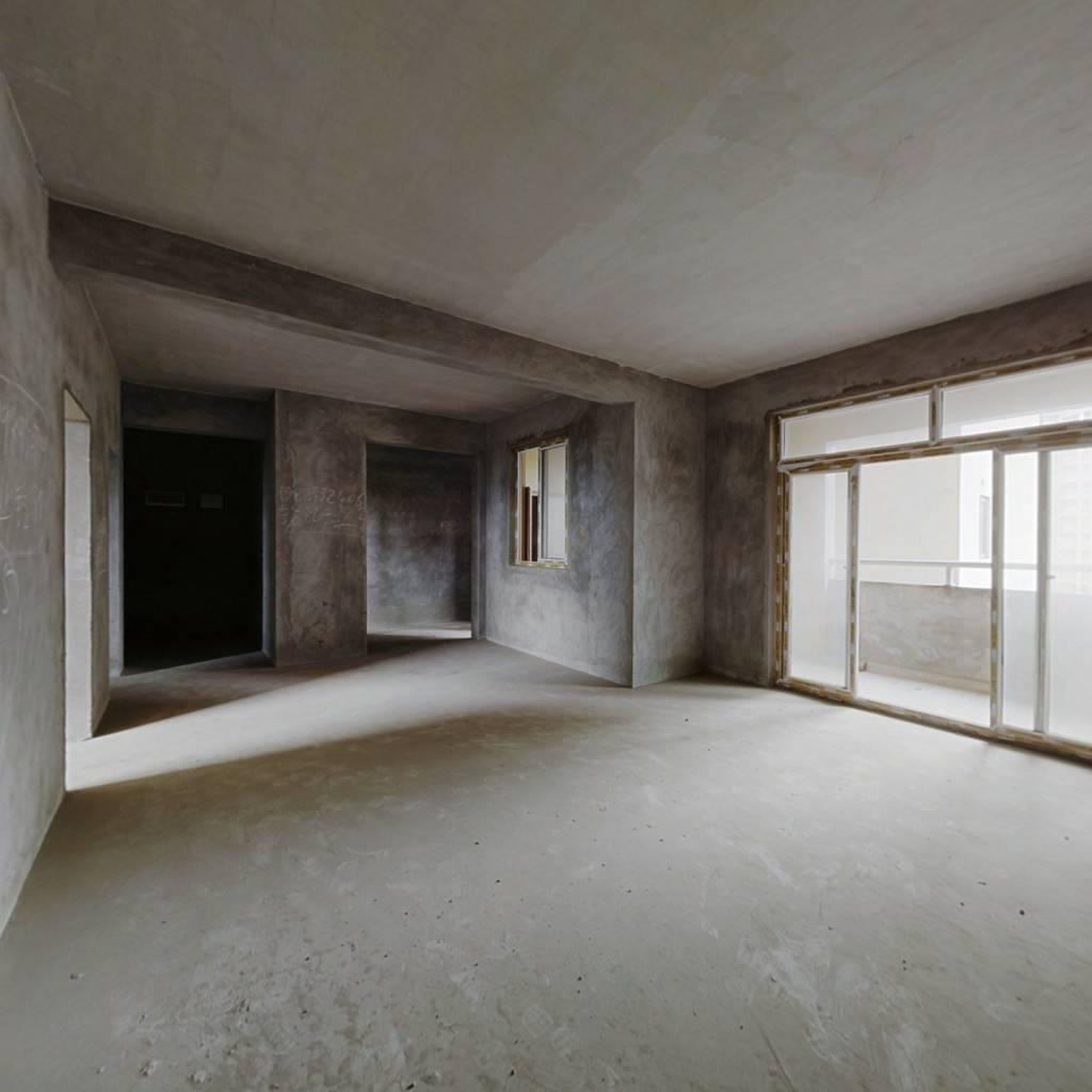 户型方正,结构很好,荧鸿城小区电梯房,价格挺便宜