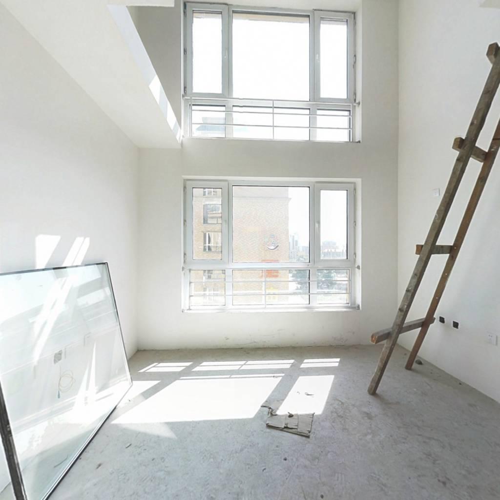 哈西 新小区上下两层共6室 可贷款毛坯随意装修 上花园