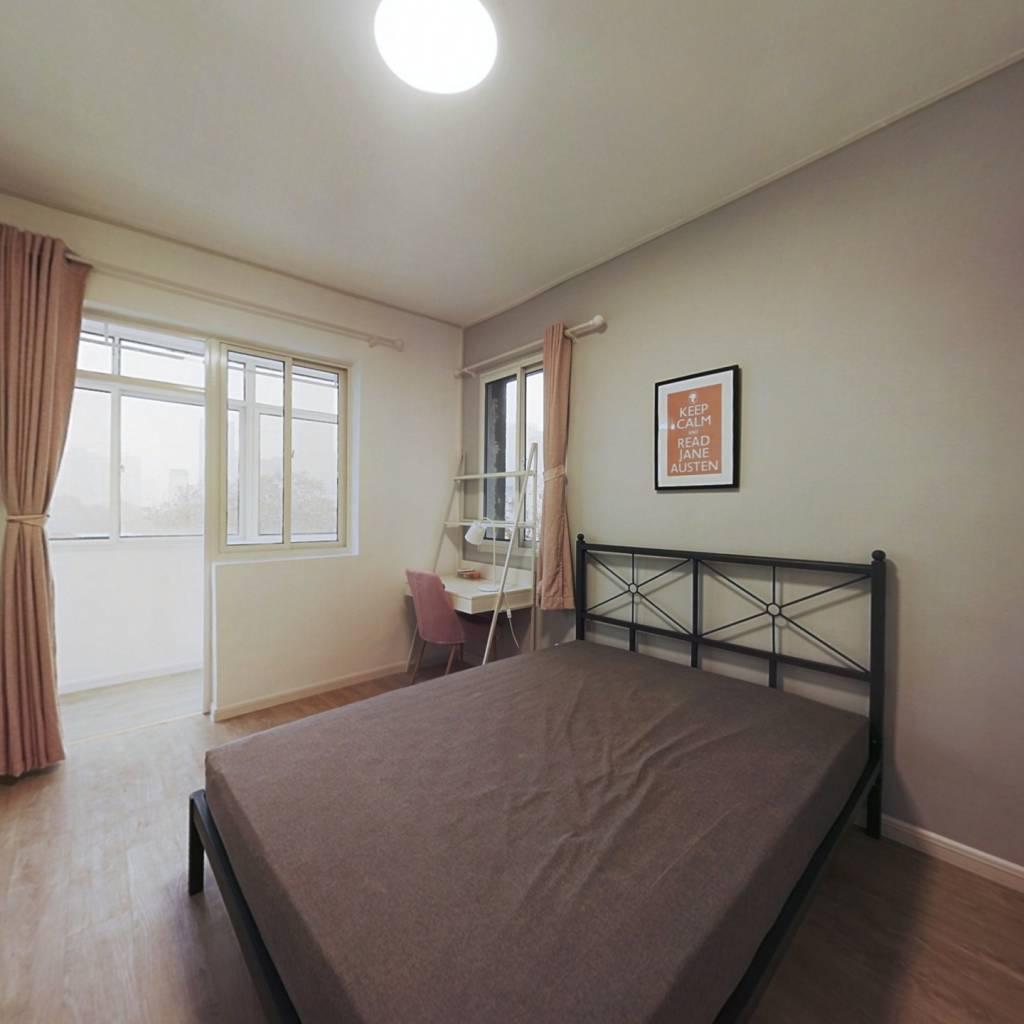合租·青岛路小区 3室1厅 北卧室图