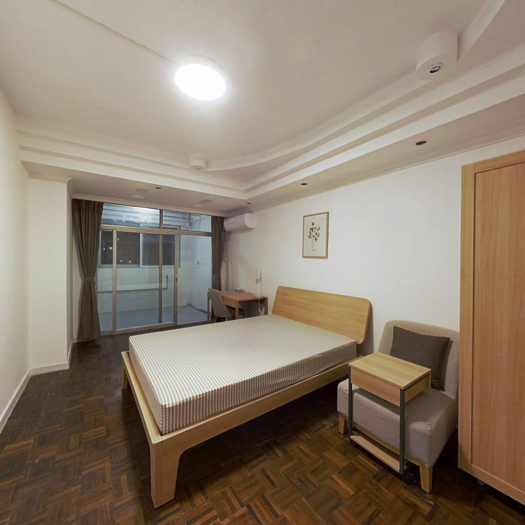 合租·嘉怡苑 4室1厅 北卧室图