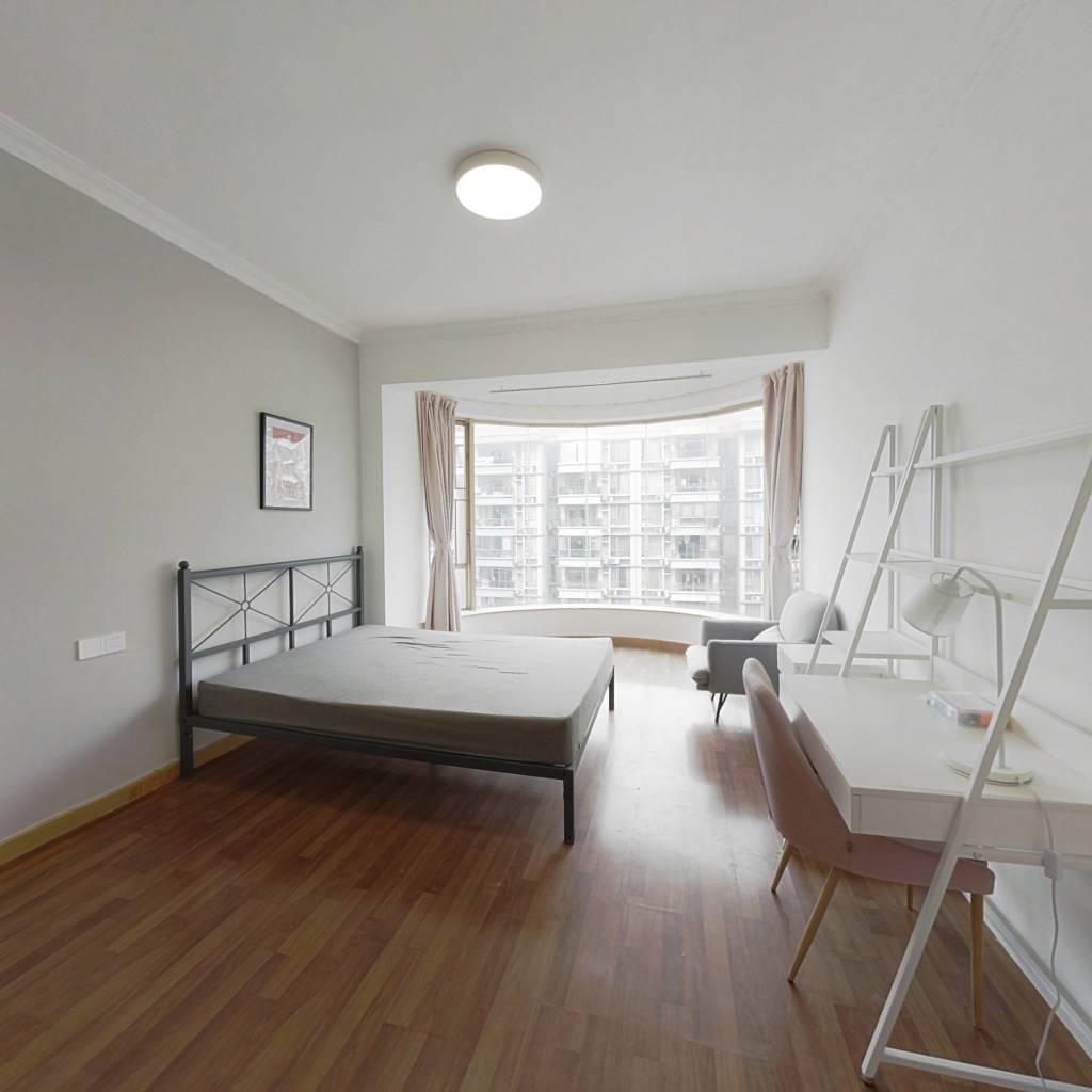 合租·南景园 4室1厅 东卧室图