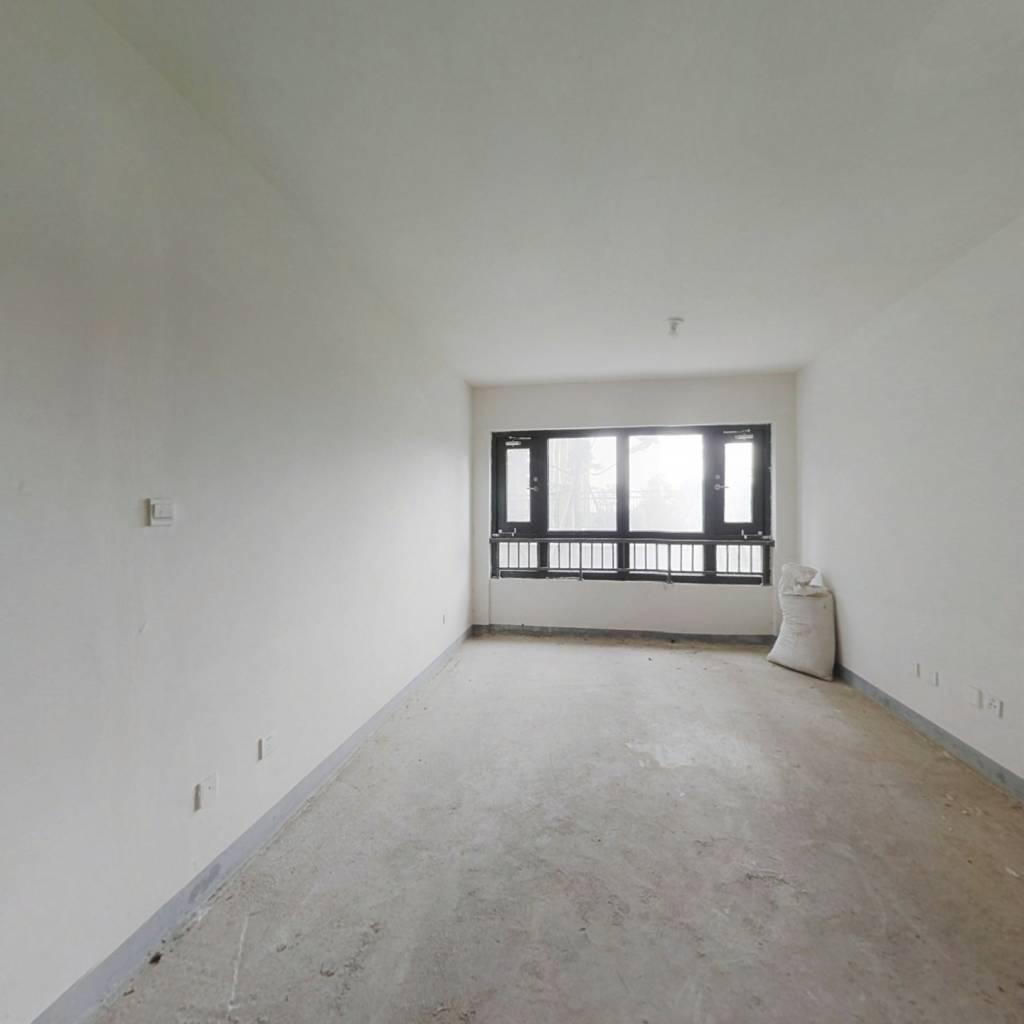大学城南地铁口蓝光天娇城4室全新毛坯;居住环境优雅