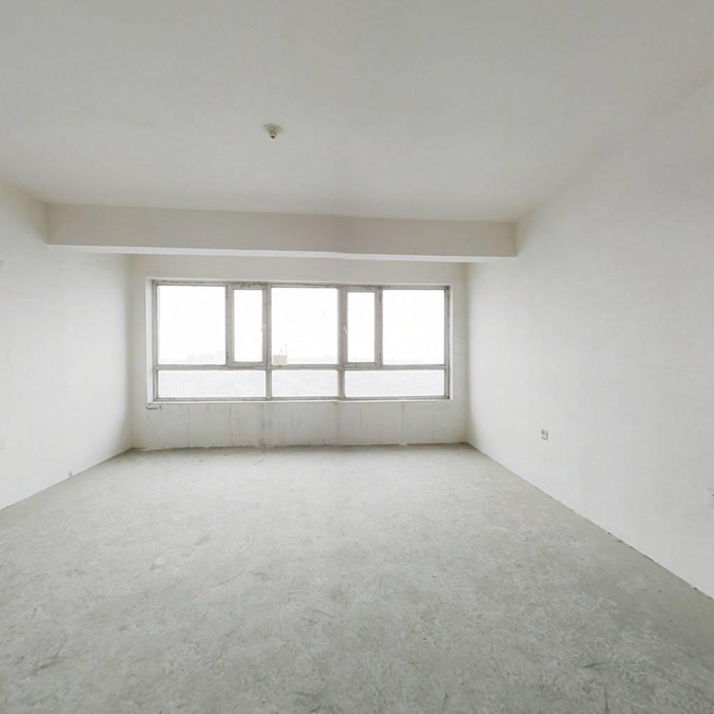 此房,南北通透,南向明厅,楼新,地热,可以贷款,,