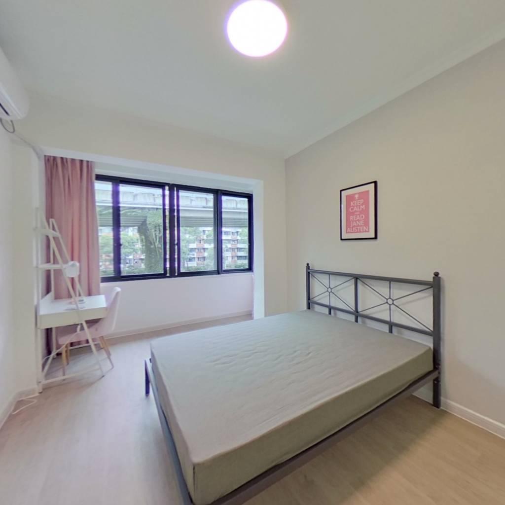 合租·石油苑 3室1厅 西南卧室图
