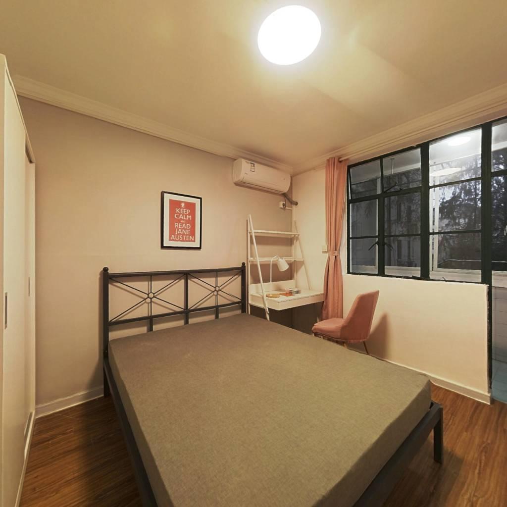 合租·国年路102弄 3室1厅 南卧室图