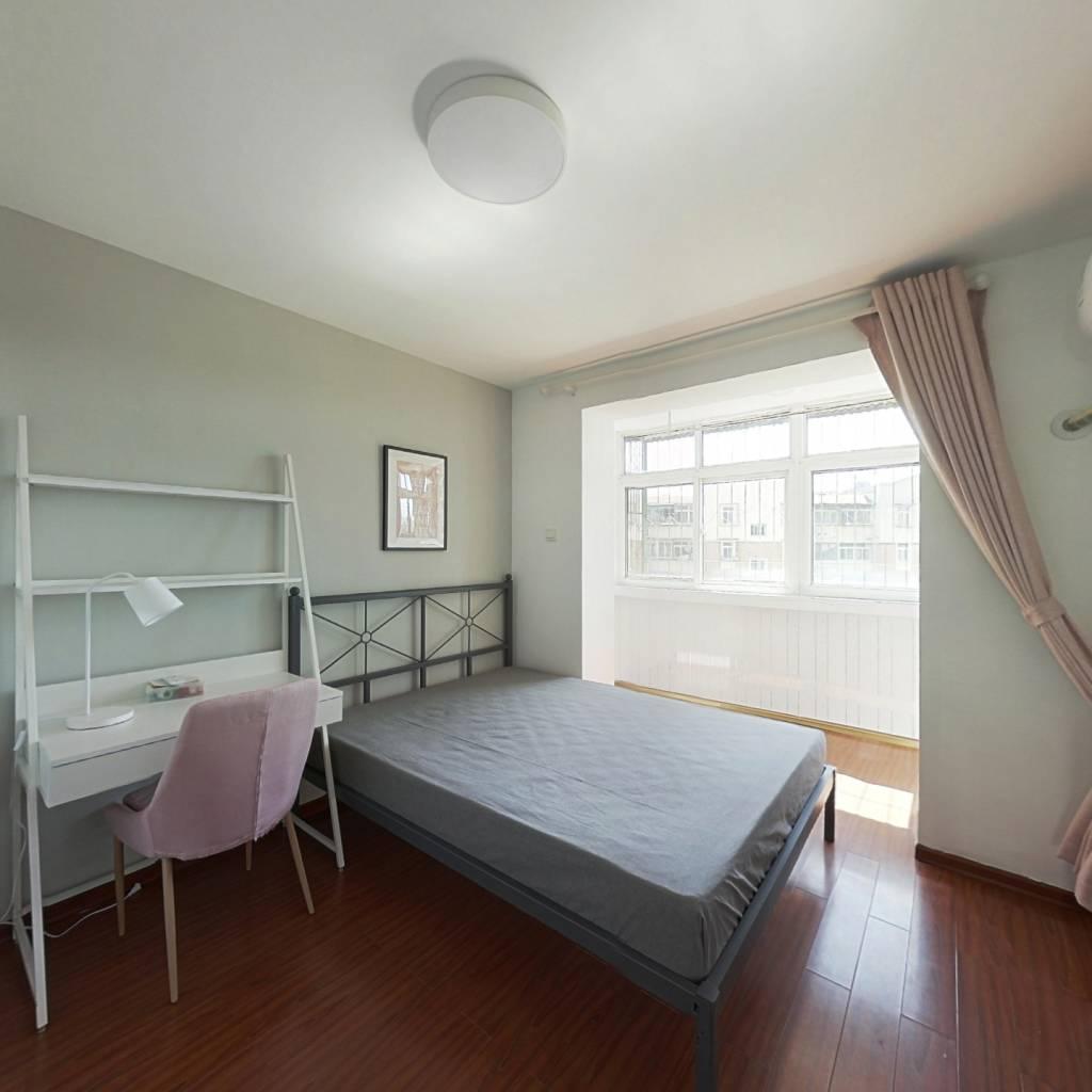 合租·彩丽园 3室1厅 南卧室图