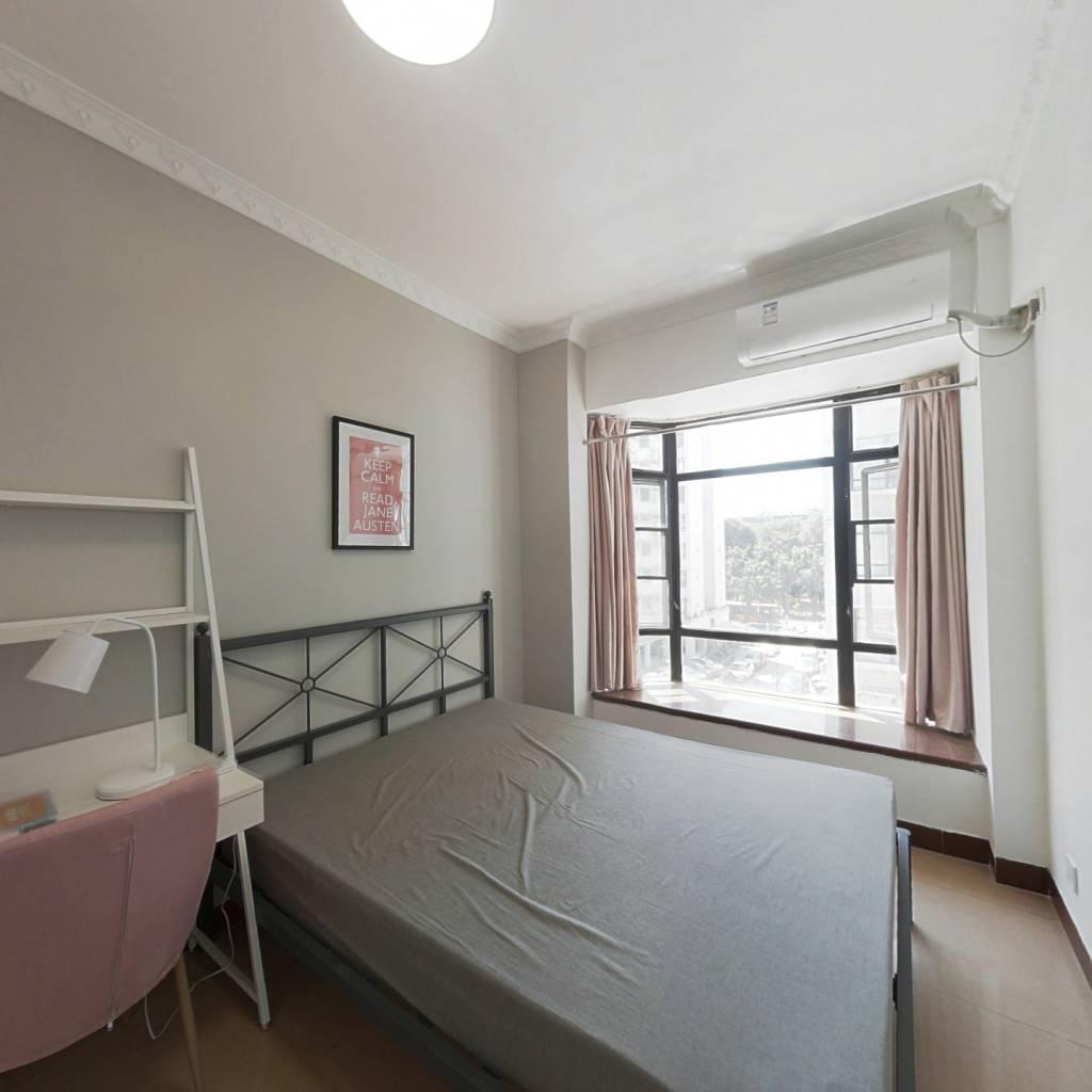合租·丽江花园丽茹楼 4室1厅 西南卧室图