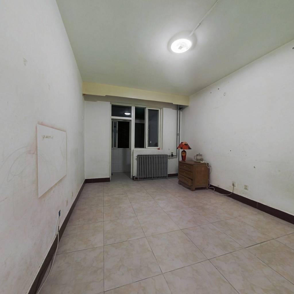农大家属楼2居室 满五年公房 一层带院 诚意出售
