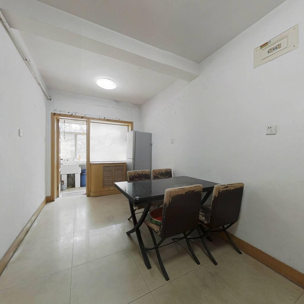外国语院内,双气两室朝阳,使用权小房4平方