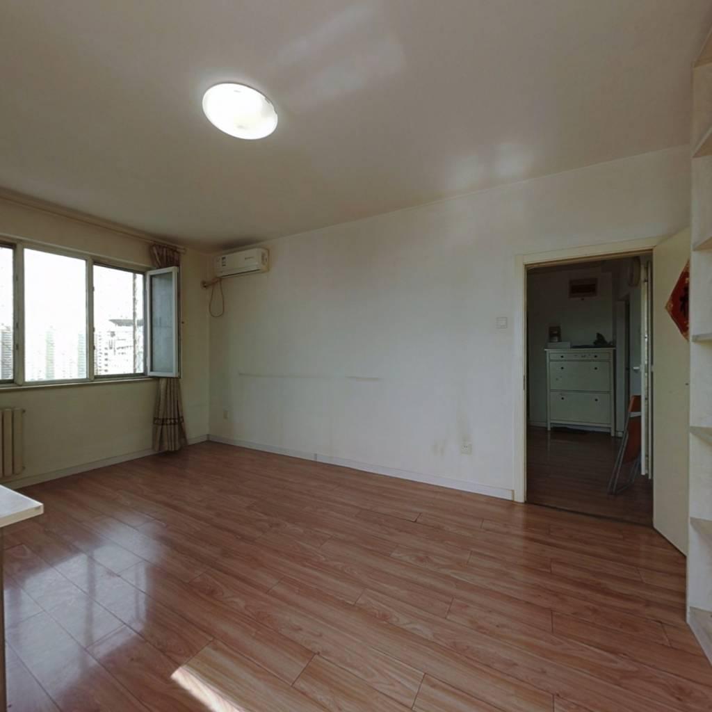西城 德胜门 总价低的小三居室 诚心出售 看房方便