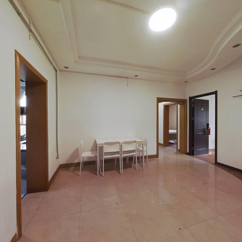 合租·英特小区 3室1厅 南卧室图