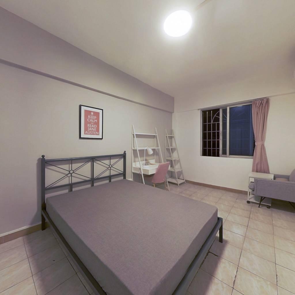 合租·广利路 4室1厅 南卧室图