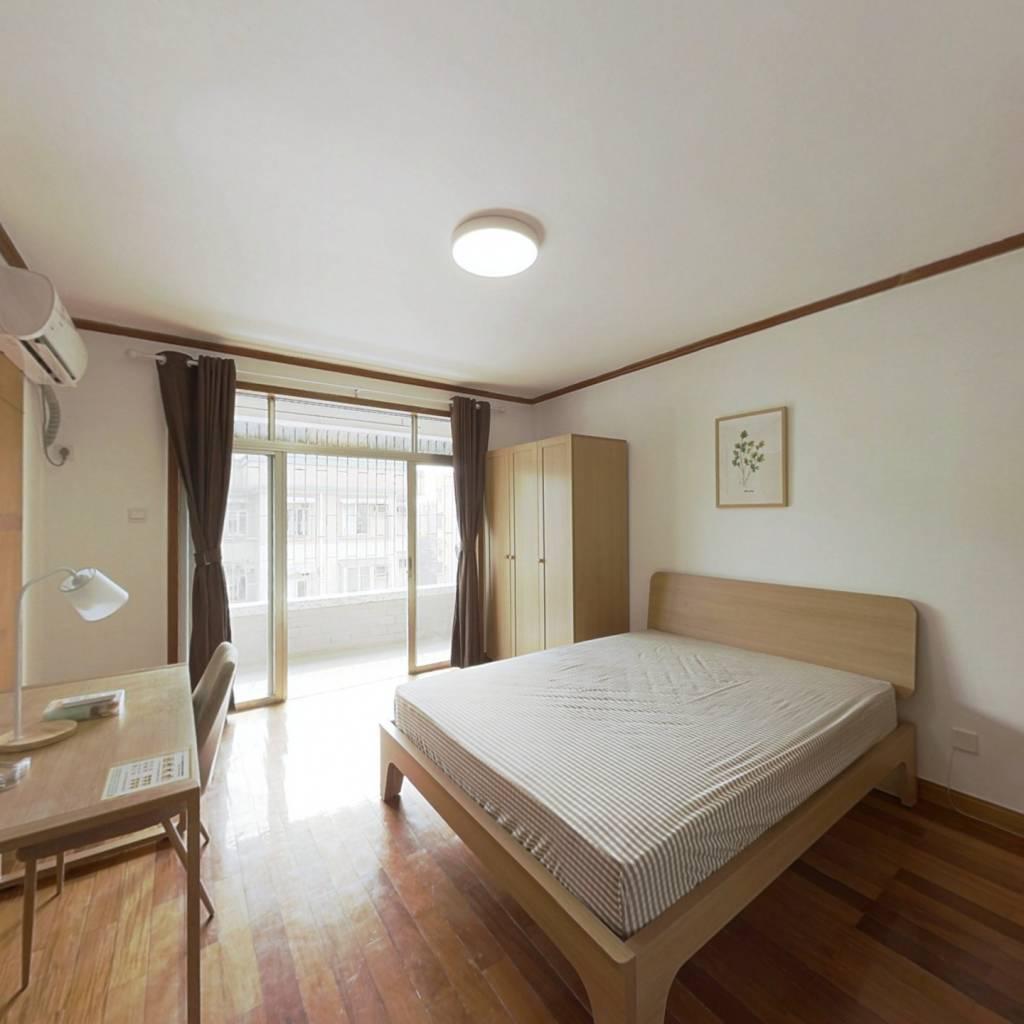合租·爱榕园 4室1厅 东北卧室图