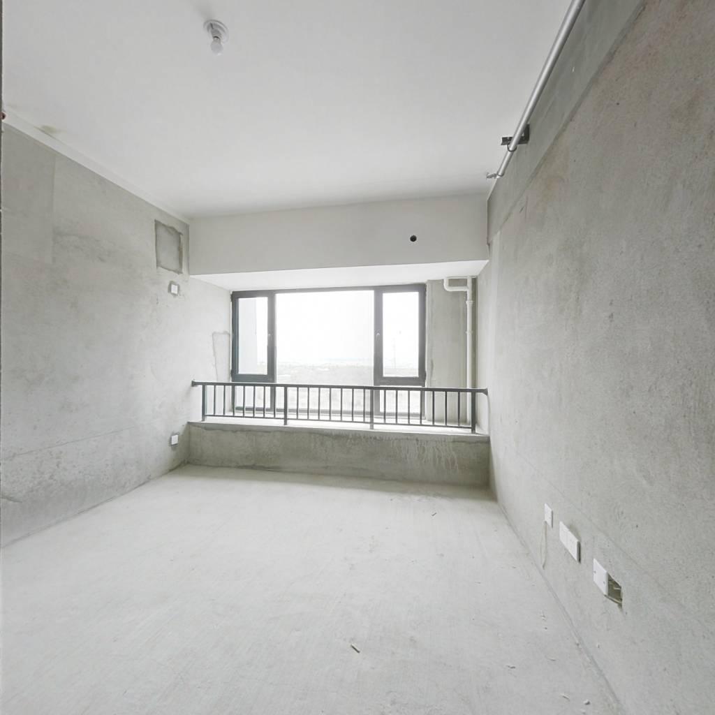 华强广场迷你公寓毛坯房可按照自己风格装修