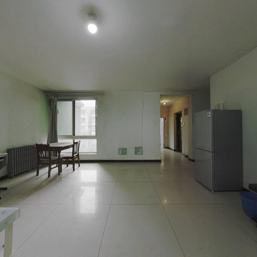 沁馥家园 3室1厅 南