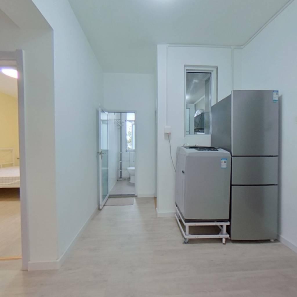 合租·科育小区 3室1厅 北卧室图