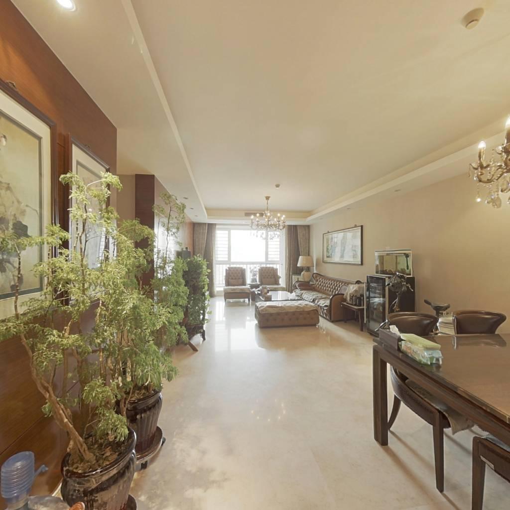 南市改善三居室,中间楼层,精装修,满五年,诚心出售