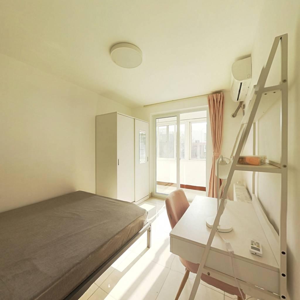 合租·新街口西里三区 3室1厅 南卧室图