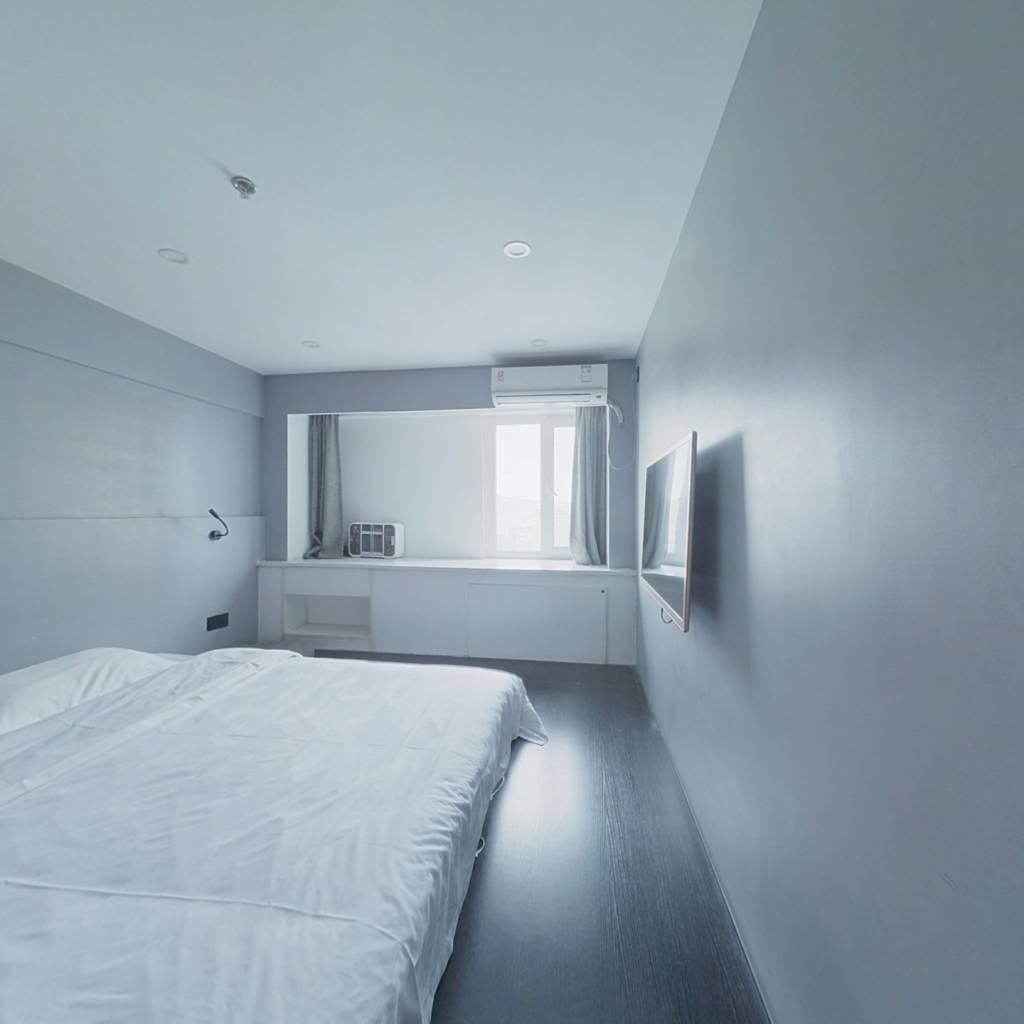 精装修上市里一居室 好楼层  自住度假均可