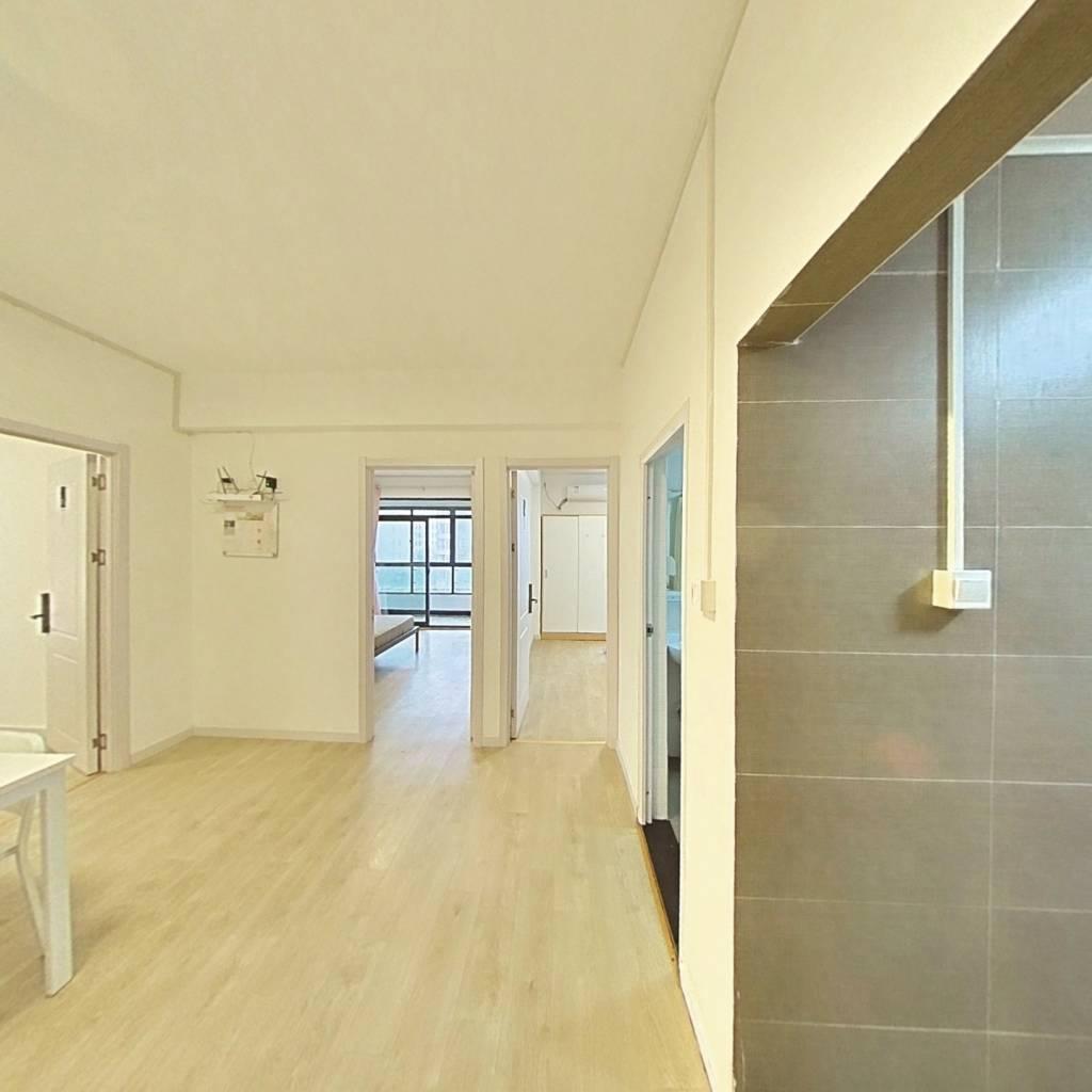 合租·滨湖名邸二期 3室1厅 南卧室图