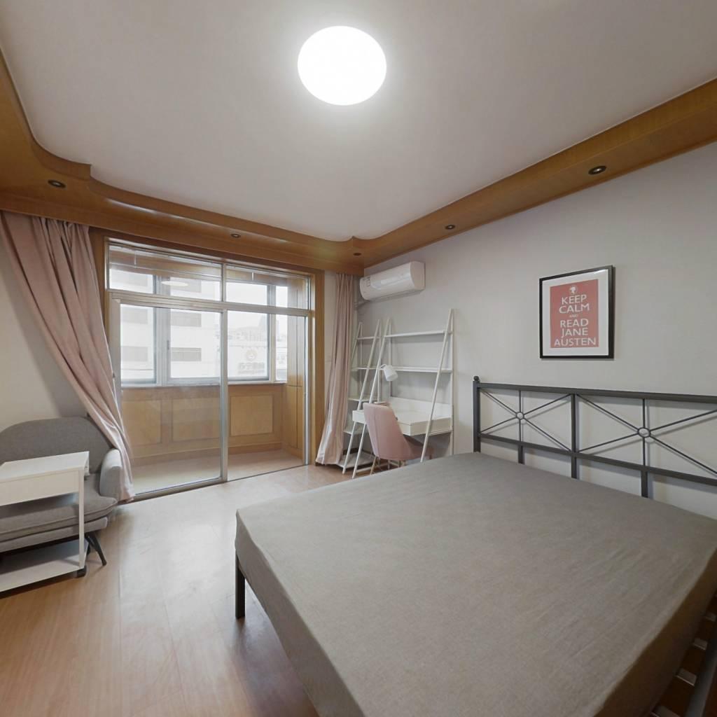 合租·阳阳公寓 3室1厅 北卧室图