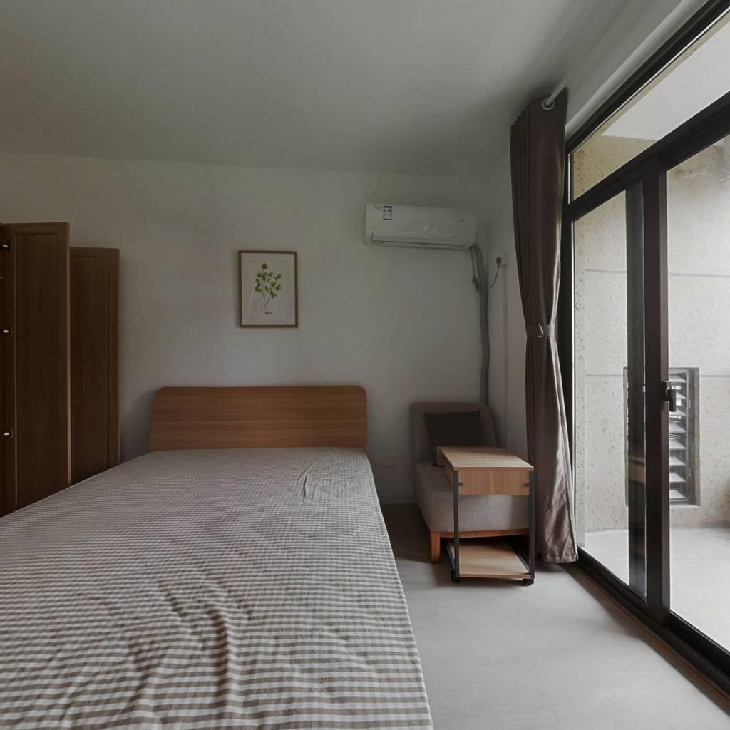 合租·花园府 5室1厅 南卧室图