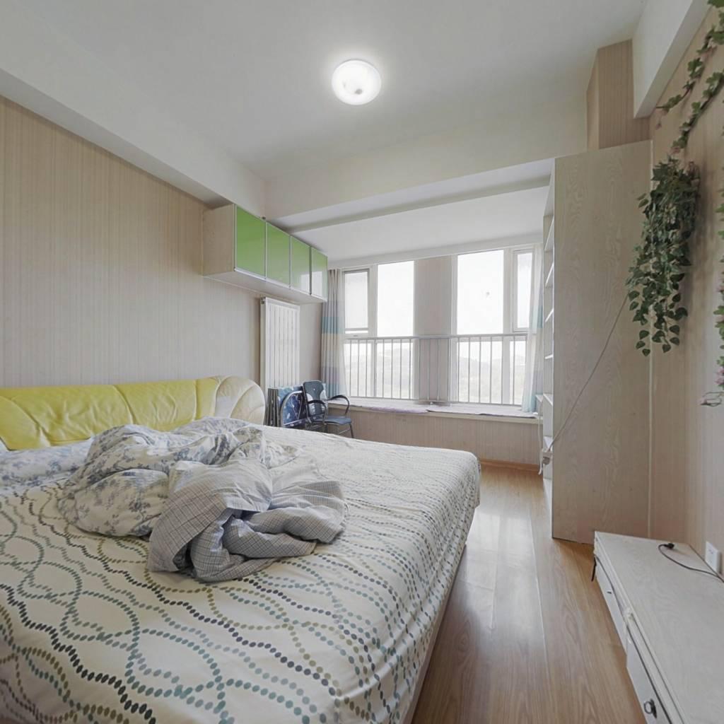 三庆青年城一室公寓,精装,经典户型,交通便利