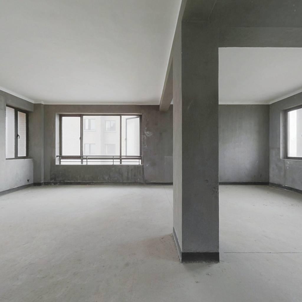 越溪好房,房间格局无改动,小区位置好,出行方便。