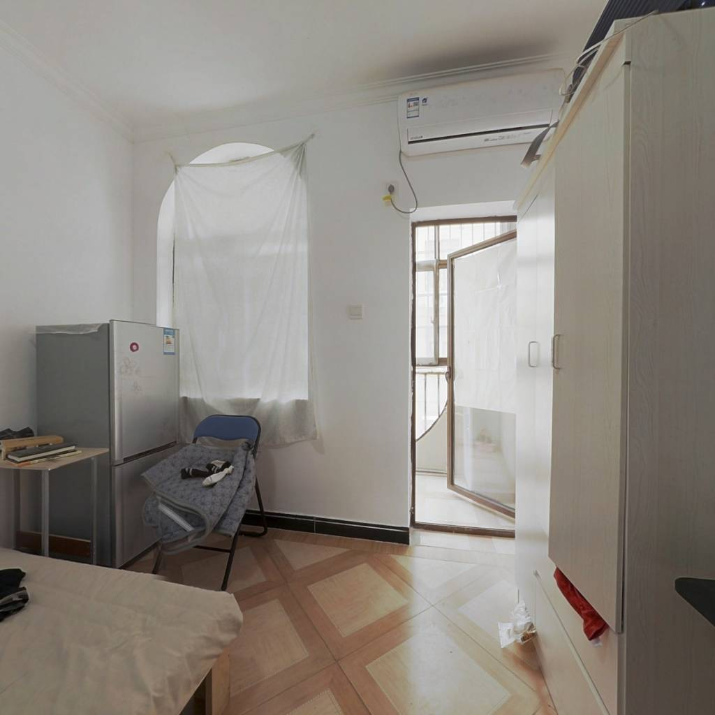 单身公寓,汤逊湖山庄电梯房,业主诚心出售