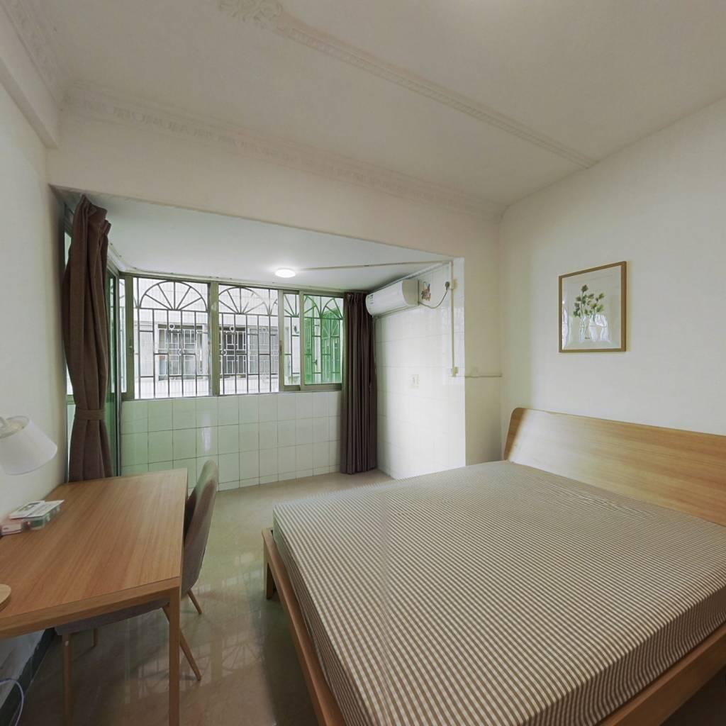 合租·广海花园 4室1厅 南卧室图