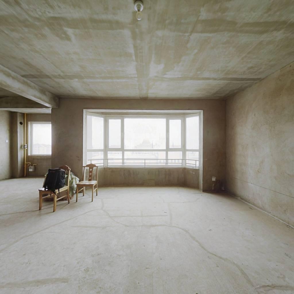 海景苑10楼 170平米毛坯房167万可以贷款