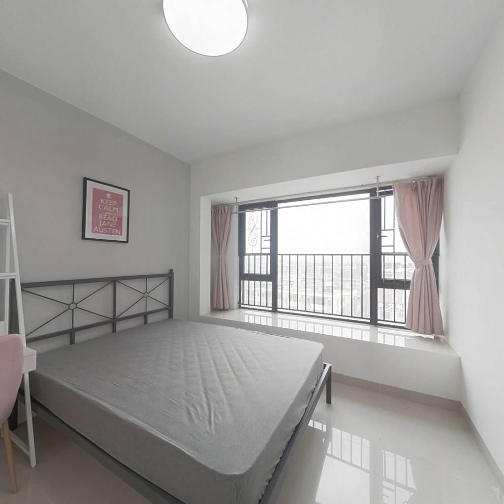 合租·金地龙城中央二期 4室1厅 西卧室图