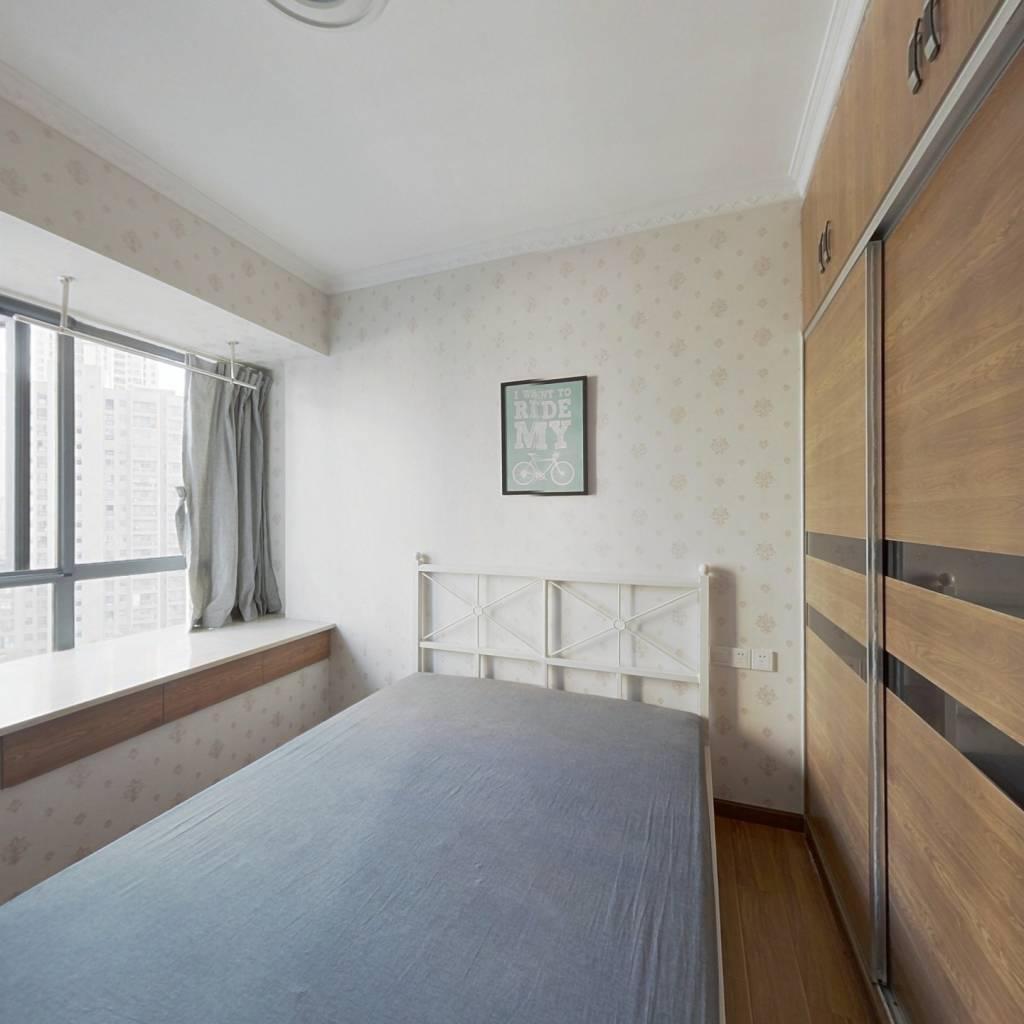 合租·福星惠誉国际城三期 4室1厅 南卧室图