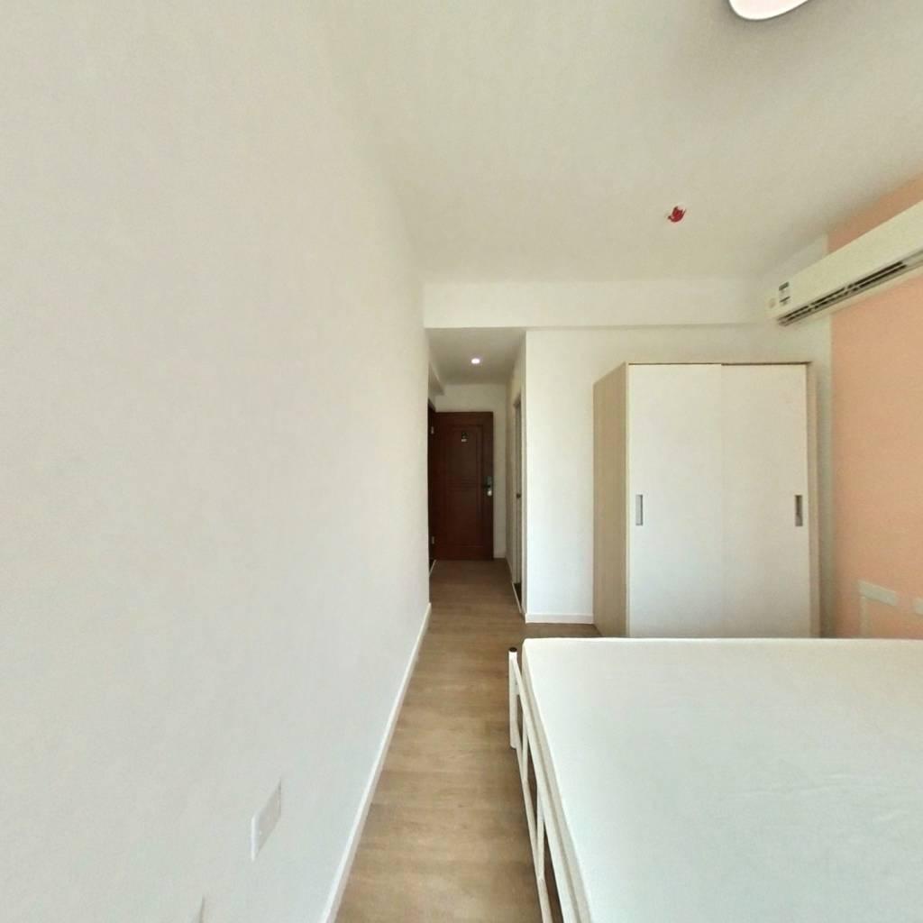 合租·华晖云门 4室1厅 西卧室图
