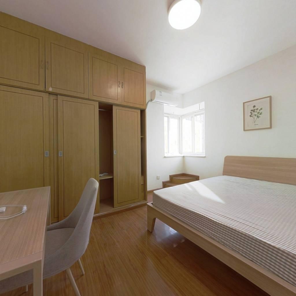 合租·棕榈花园 4室1厅 南卧室图