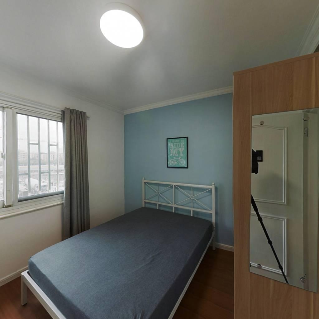 合租·阳明花园广场(一期) 3室1厅 西卧室图