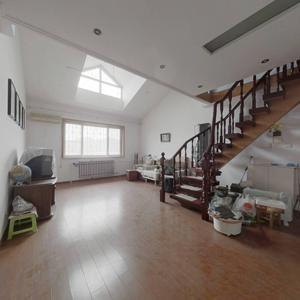 精装修 六楼带阁楼 127+65平 带地下室