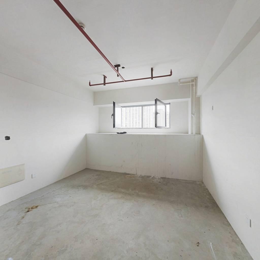 毛坯公寓,房东诚心出售,价格实惠