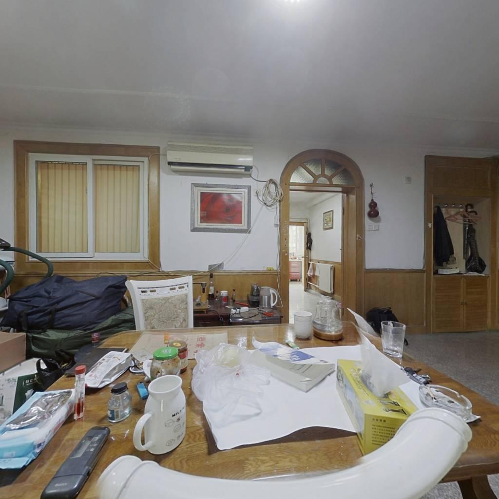 环山路 单位宿舍 素质高 低楼层 南北通透 看房方便,