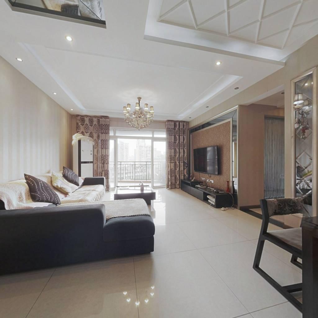 渝中区大黄路精装三房,诚心出售,看房方便