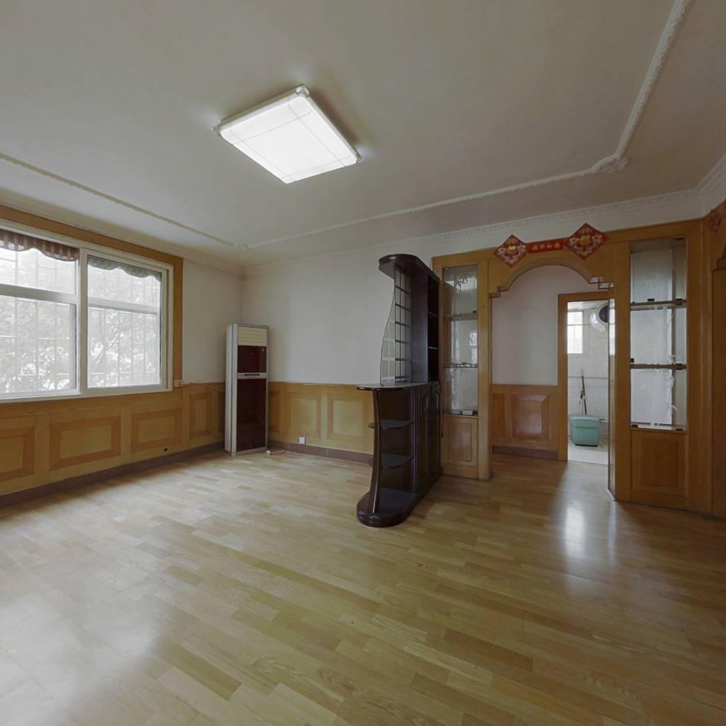 兴城小区 5室双卫的好房子 中层 带着家具家电