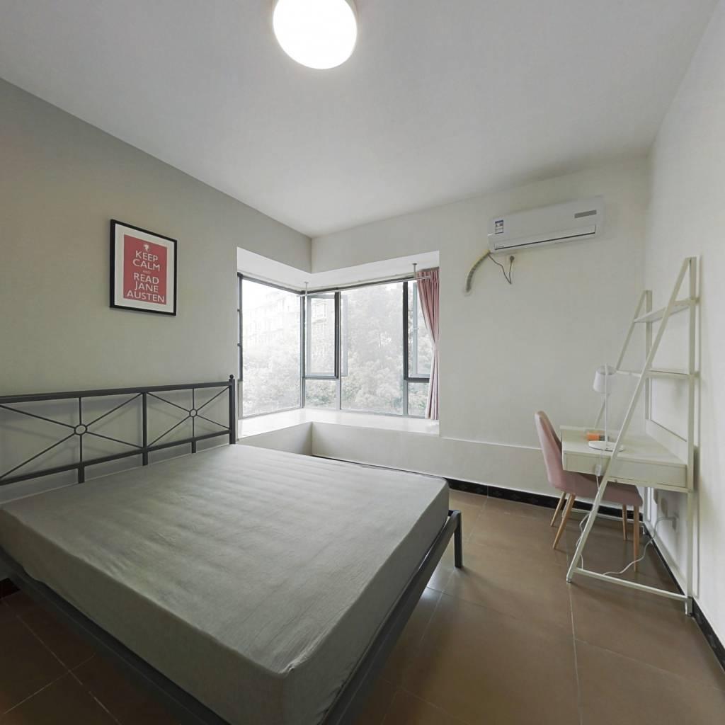 合租·凯华丽景 4室1厅 西北卧室图