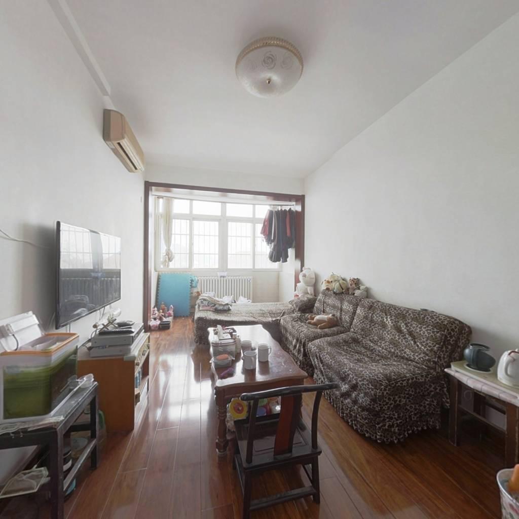 江苏路范围住宅,大户型,带70平平顶阁楼顶加阁