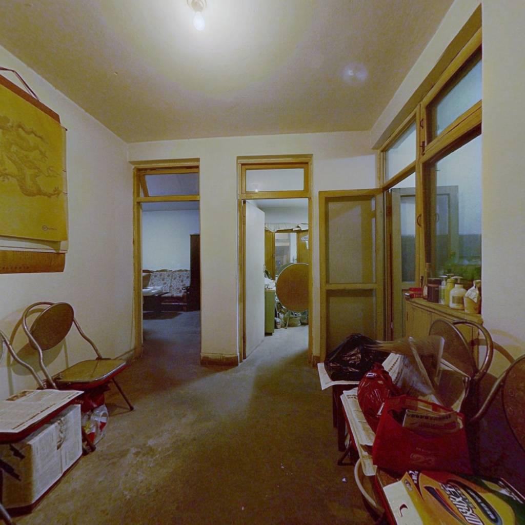 急售日报宿舍,河纺南院小区独院,紧临花卉园,安静