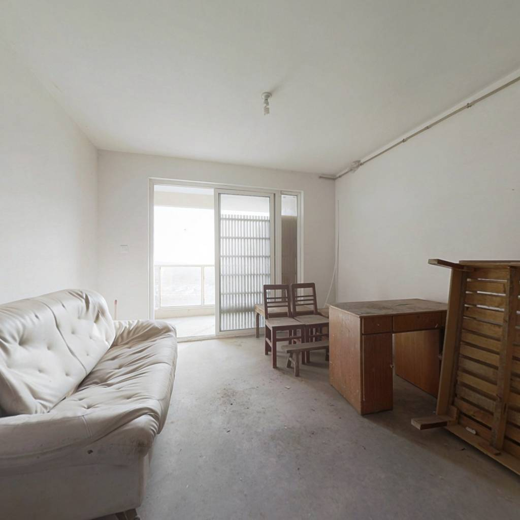 此房业主诚售,价可谈,电梯房,得房率高,环境好