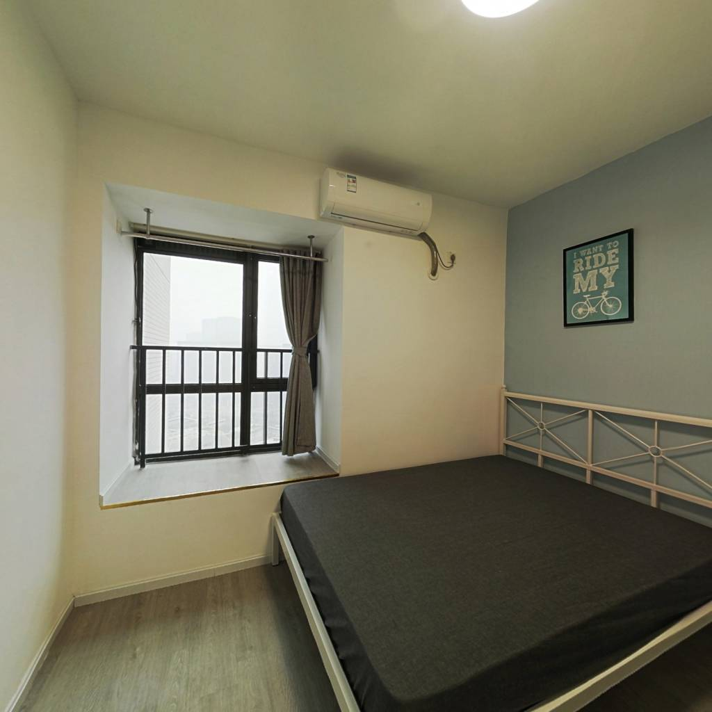 合租·英郡三期 4室1厅 北卧室图