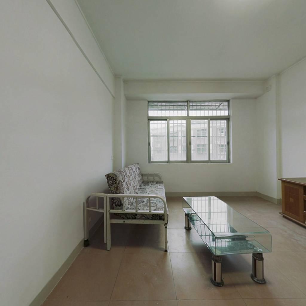 山水豪苑 装修实用三房朝南向仅售52万