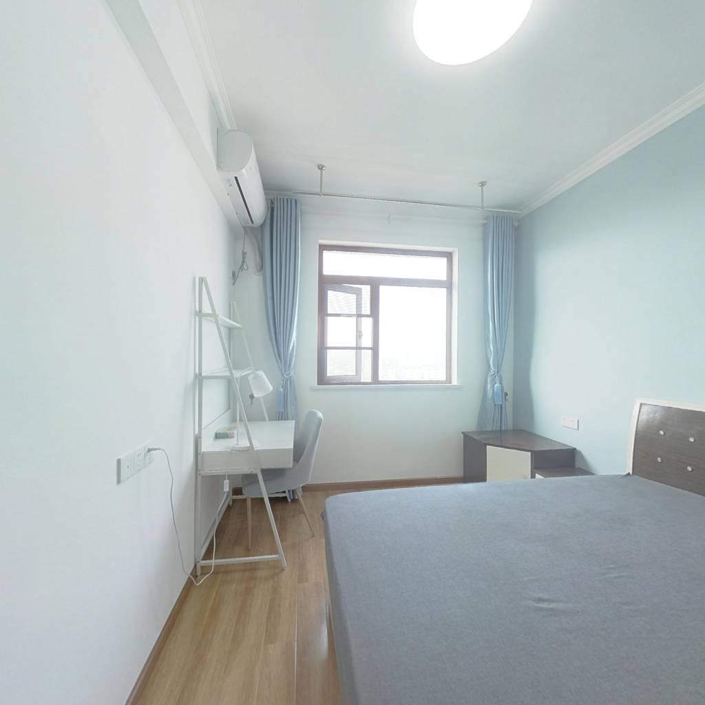 合租·珞珈雅苑 4室1厅 南卧室图